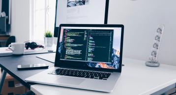 钉钉和企业微信都在押注的「低代码开发」是什么鬼?它会成为2021年的新赛道吗?
